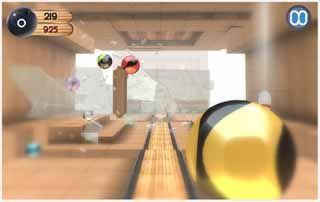 Smash-Glass-Bowling-Game-screenshot